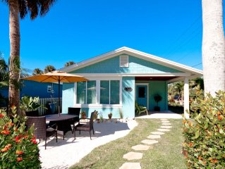 No Streets to Cross to Anna Maria Beaches-Newly Remodeled 3 Bed/2 Bath Cottage