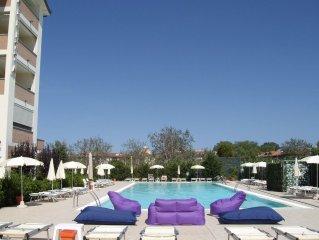 Costa Adriatica appartamento per 6 persone in residence con piscina e wellness