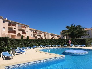 Delightful marina-side 2 bedrooms apartment with mezzanine entirely renovated