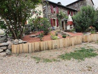 Terrasse barbecue - plancha - piscine chauffee - bord riviere - Cevennes