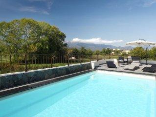 Maison de charme neuve avec piscine