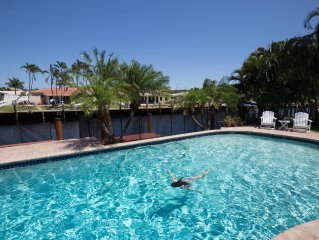 Waterfront Home, Large Heated Pool, 5 min. from the beach, family friendly