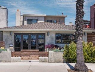 Modern Beach House, Ocean Views, Steps to the Beach, Bay and Shops, Pet Friendly