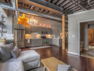 Downtown Nashville Loft WINTER SALE! Walk to Honky Tonks! Taylor, Sleeps 2 Music