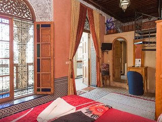 Junior Suite au Riad Layalina Fes : Piscine, Vue 360° & Parking Gratuit