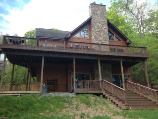 4th LARGEST LAKEFRONT 5000SF 250FT ON LAKE, Sleeps 12+Boats & Snowtubing INC