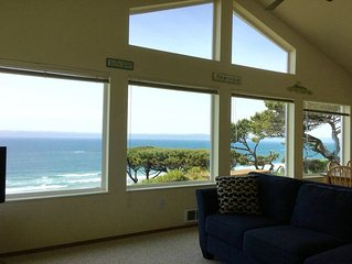 Sweeping Ocean View. Incredible Sunsets. Whale Watching. Beautiful!