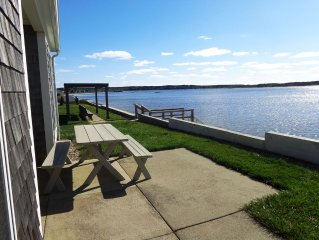 Beach front Cottage, close to downtown - Private Beach and Great Water views