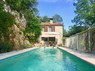 Forest house, private pool, spectacular mountain views