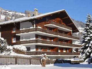 Grosses Apartment mit Balkon für 6 P, zentrale Lage, Parkplatz