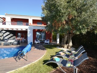 Luxury 3 en-suite Villa + 1 bed room Just 200mts from the Beach *Heated Pool*
