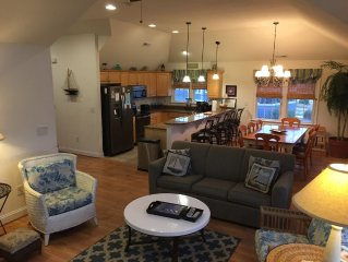 Bluewater Dream! 6BR, 4.5 BA, Pool,Hot tub, Game Room, Scr. Porch, Pets OK