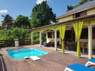 Villa Mascotte avec piscine et salle de jeux sur les hauteurs du Gosier