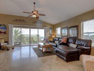 Luxury 3 BR w/ Bonus Room Condo - Oceanside in Heart of Indian Rocks Beach, Fl