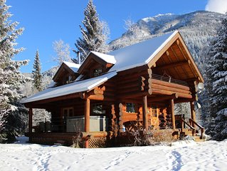 Discounted winter rates! Hot tub and mountain views!