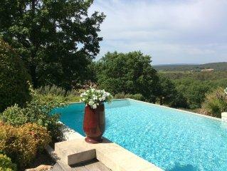 Demeure du XVII, récemment restaurée, au coeur de la Provence Verte.