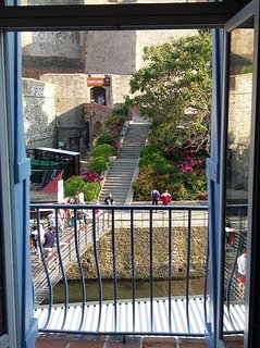 https://media-cdn.tripadvisor.com/media/vr-ha-splice-l/05/ce/f4/09.jpg