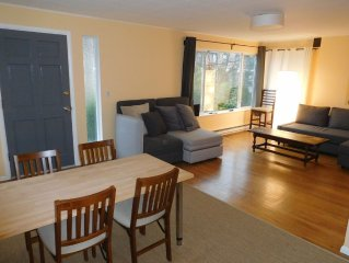 FREE PARKING, easy subway, 2 BR, QUIET Capitol Hill location