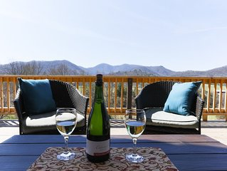 Mountain Views, Privacy, Hot Tub, Dog friendly, Private