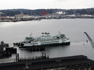 1 Block to Pike Place Market!  Balcony, Views, Indoor Pool!  Harbor Steps