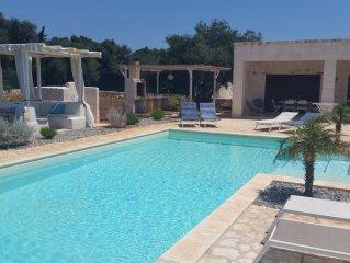 Modern Villa, Pool, Veranda, additional outdoor Kitchen, BBQ, double stone walls
