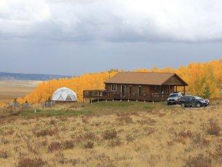 A Getaway Cabin  Close to Breckenridge Ski Resort, Panoramic Views, Clean & Cozy