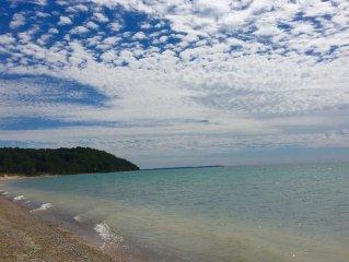 Island View Retreat -Stunning Lake Michigan beachfront - Pet ok