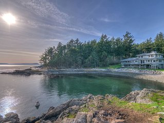STUNNING WATERFRONT HOME WITH PRIVATE BEACH AND COVE!