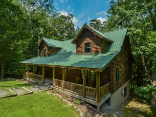 Warm & Cozy 4 Bedroom Log Home w/ elegant furnishings in private setting!