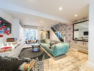 Stunning Victorian 3-bed / 2-bath property with private courtyard