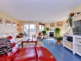 Spacious Three Bedroom Townhome with Incredible Ocean Views