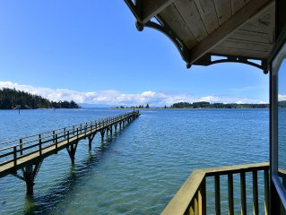 Incredible 4 Bedroom Oceanfront Beach House with Beach and Large Wharf
