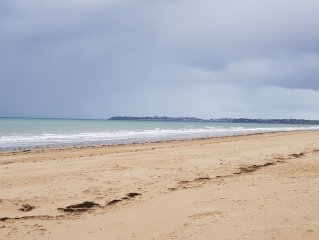 Maison bord de mer a 250 m de la plage de Jullouville, ideale famille.