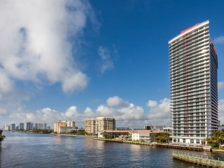 Brand New Luxurious Studio Suite Intracoastal Waterway View