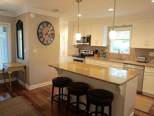 Lagoon View Renovated Cottage with Community Pool!