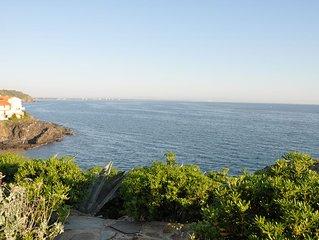 Maison de vacances  face a la mer, situee entre Collioure et Port Vendres