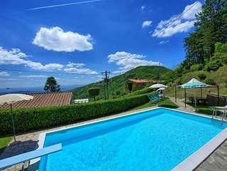 Villa with 3 bedrooms, private pool and air-conditioning located near Cortona