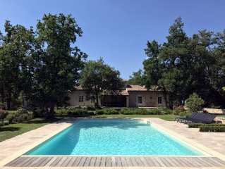 Beautiful Provence House in the Luberon - Heated Swimming Pool & Large Gardens.