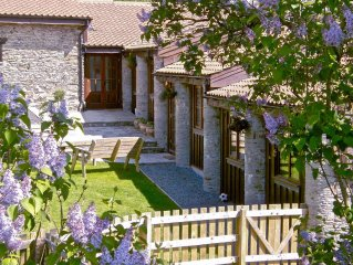 Stunning Three Bedroom Barn Conversion With A French Gites Feel