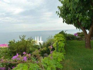 Villa con giardino privato, in  parco privato,,sul mare ,a Conca dei Marini,  ga