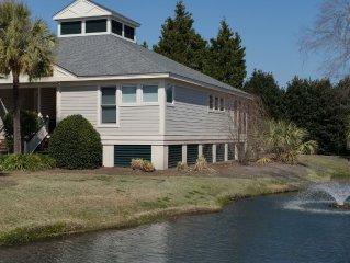 Lakeside Villa Beautiful 2Bd/2BA Wifi LBTS.... Newly Renovated