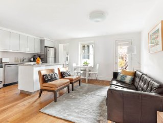 Carroll Gardens, Brownstone 2 Bedroom with garden, one block to F/G station
