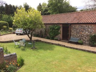 Barn House Cottage - cosy and secluded; comfortable and characterful