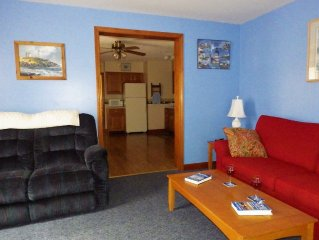 Bright, Cheery First Floor Condo in the Heart of Old Orchard Beach!