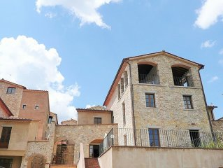 Beautiful family villa with terraces, garden, shared pool in Chianti