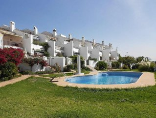 Spacious 2 bed townhouse near Capistrano Village with pool & sea view, sleeps 5