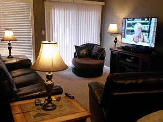 2 Br 2 Bath Newly Renovated! Free Wi-Fi 50' Tv, 2 Queen, Bunk Beds,1 Mile To SDC