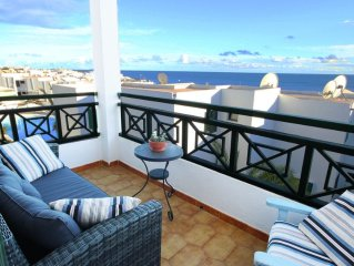 Apartment in Old Town with Sea & Harbour views, and  Shared Pool
