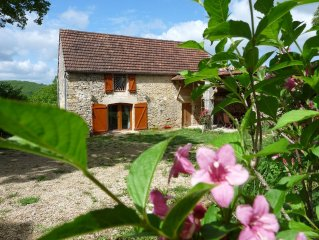 Cottage, old barn of the nineteenth century. Ideal Families, disabled access.