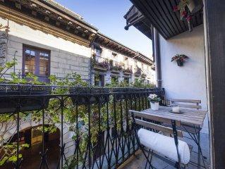 Apartamento de 65 m2 recién reformado en CASCO HISTÓRICO (ESS00130)